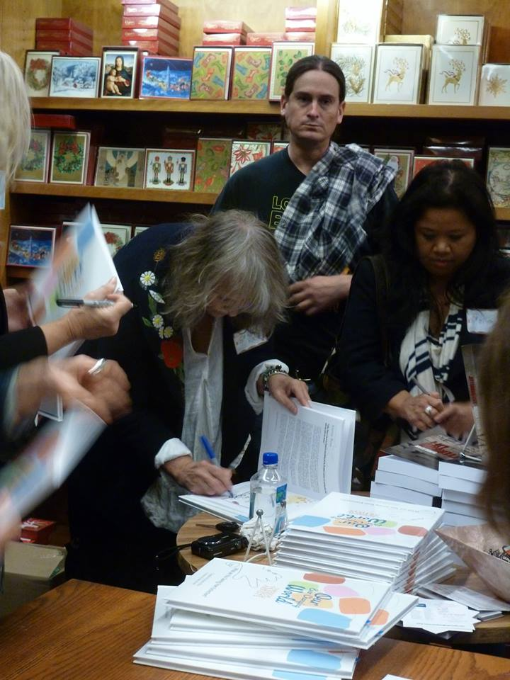 Signing the books2